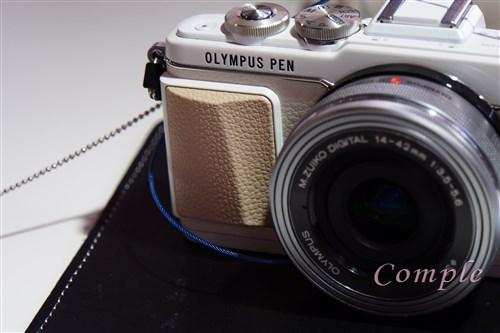 オリンパスのミラーレス一眼カメラPEN Lite E-PL7は、手ぶれ補正もレンズも自撮りも進化!