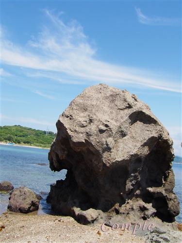 角島鬼の岩