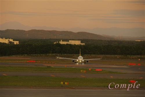 夕暮れの新千歳空港