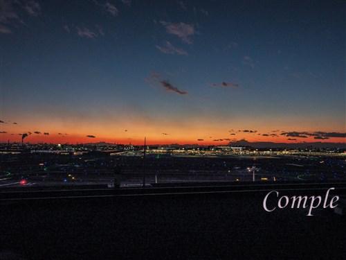 夕方の羽田空港