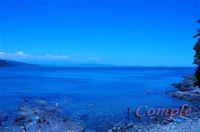 ホワイトバランスで涼しい感じの海写真