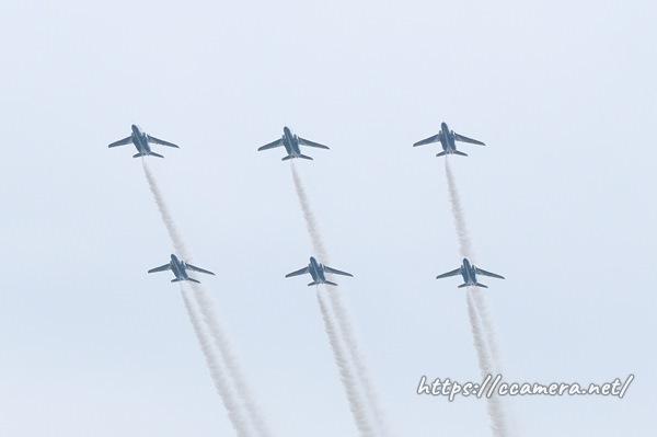 ブルーインパルス6機編隊