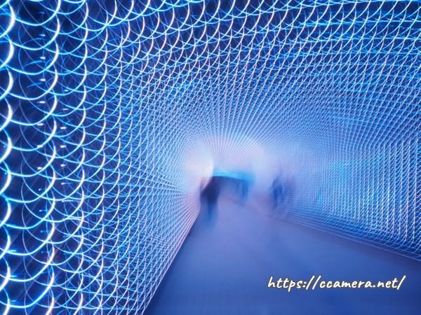 不思議な光るトンネル