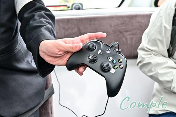 自律走行バスのコントローラー